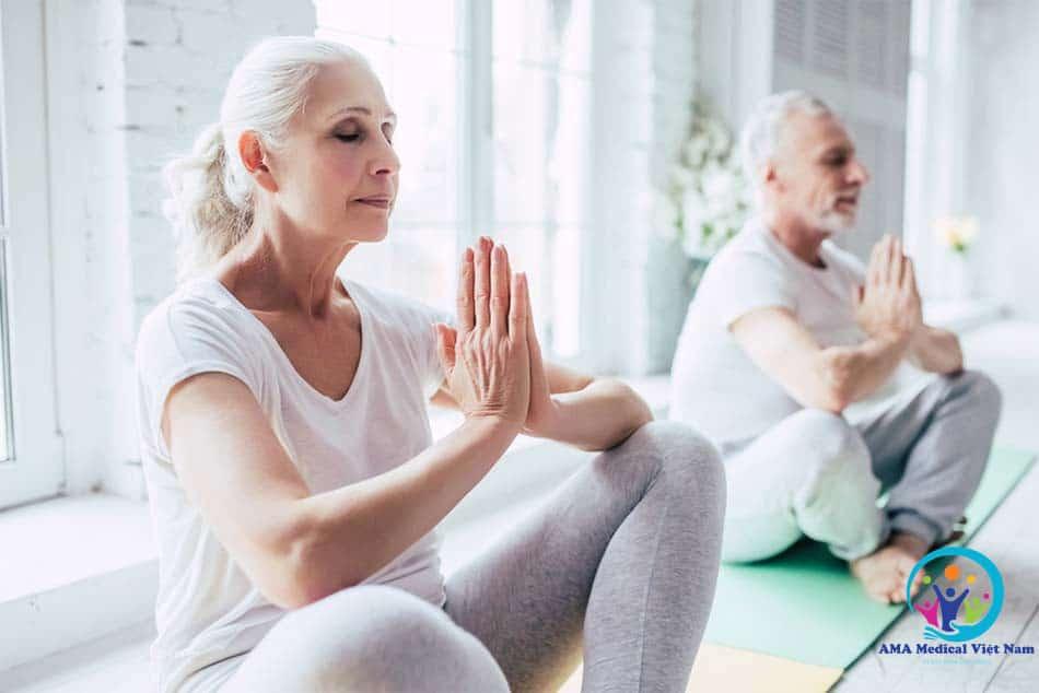 Kết hợp dùng thuốc và chế độ ăn uống, luyện tập phù hợp để tối ưu hoá điều trị