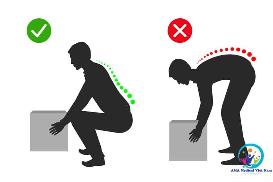 Nâng các loại vật nặng là yếu tốt nguy cơ gây đau mỏi vai gáy